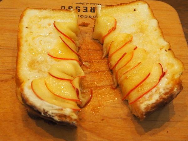 トースト 断面3