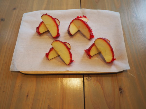 りんご飴 カット