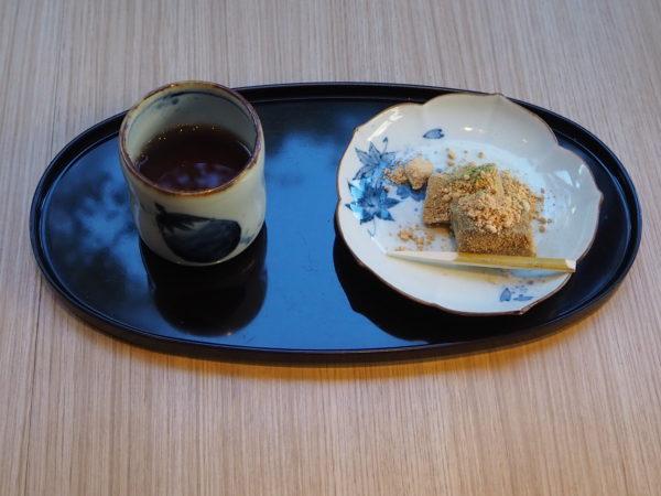 黒豆茶 わらび餅
