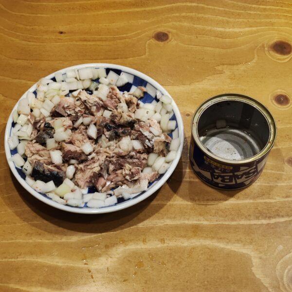 サバ缶サラダ 食べ方