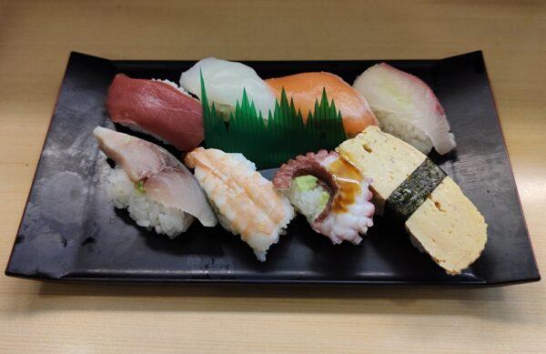 お寿司8貫セット
