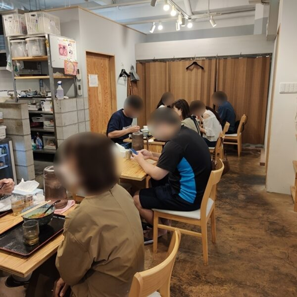 き田たけうどん 店内2
